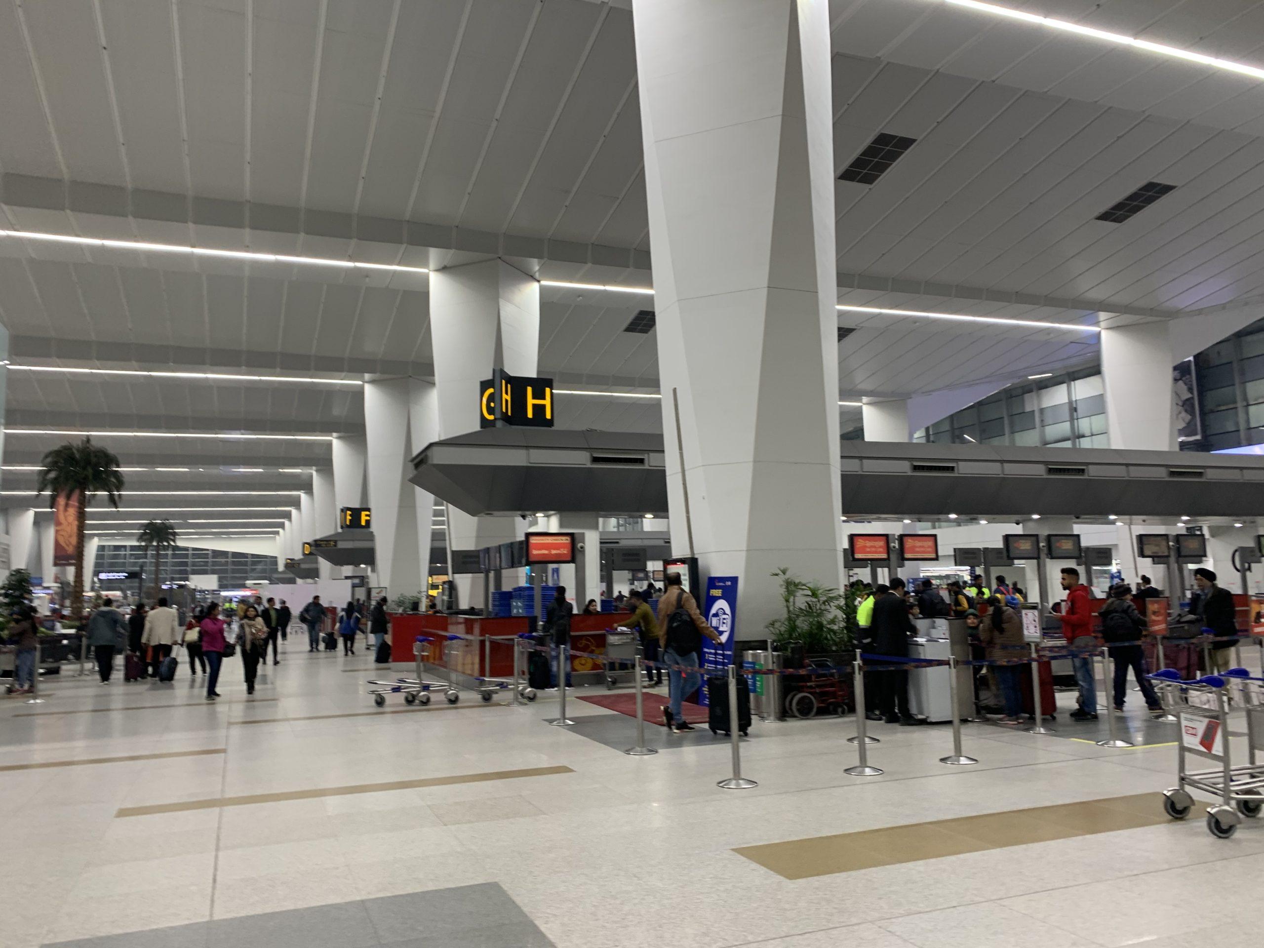 デリー空港の出発ロビー